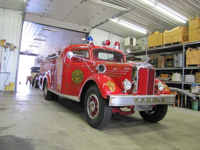 Collector Cars-Trucks, Antique Tractors, Vintage Race Cars, The Twin Oaks #1 Auction - image 3