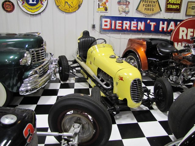 Collector Cars-Trucks, Antique Tractors, Vintage Race Cars, The Twin Oaks #1 Auction - image 6