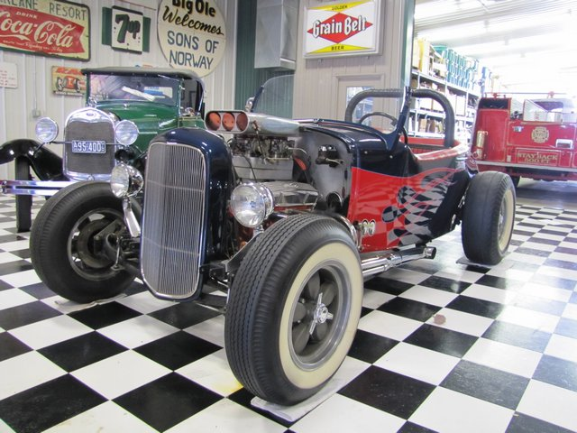 Collector Cars-Trucks, Antique Tractors, Vintage Race Cars, The Twin Oaks #1 Auction - image 8