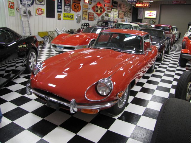 Collector Cars-Trucks, Antique Tractors, Vintage Race Cars, The Twin Oaks #1 Auction - image 12
