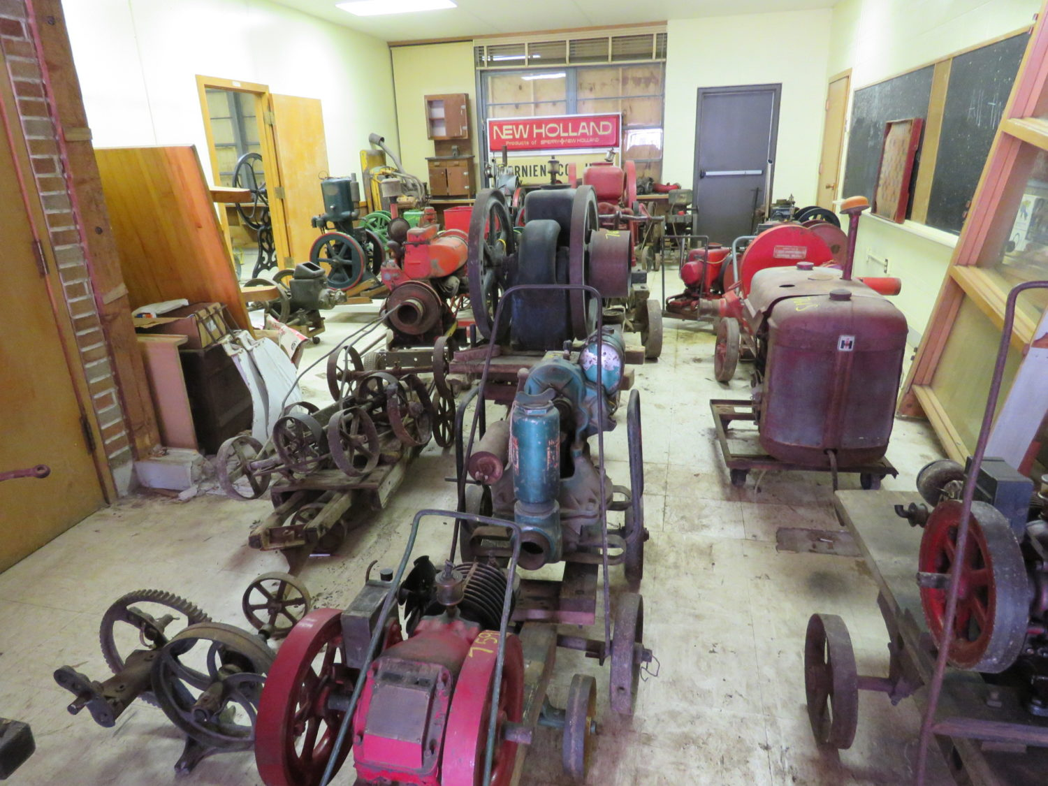 Day 1- Antique Tractors, Stationary Engines- The Bob Smith Collection - image 22