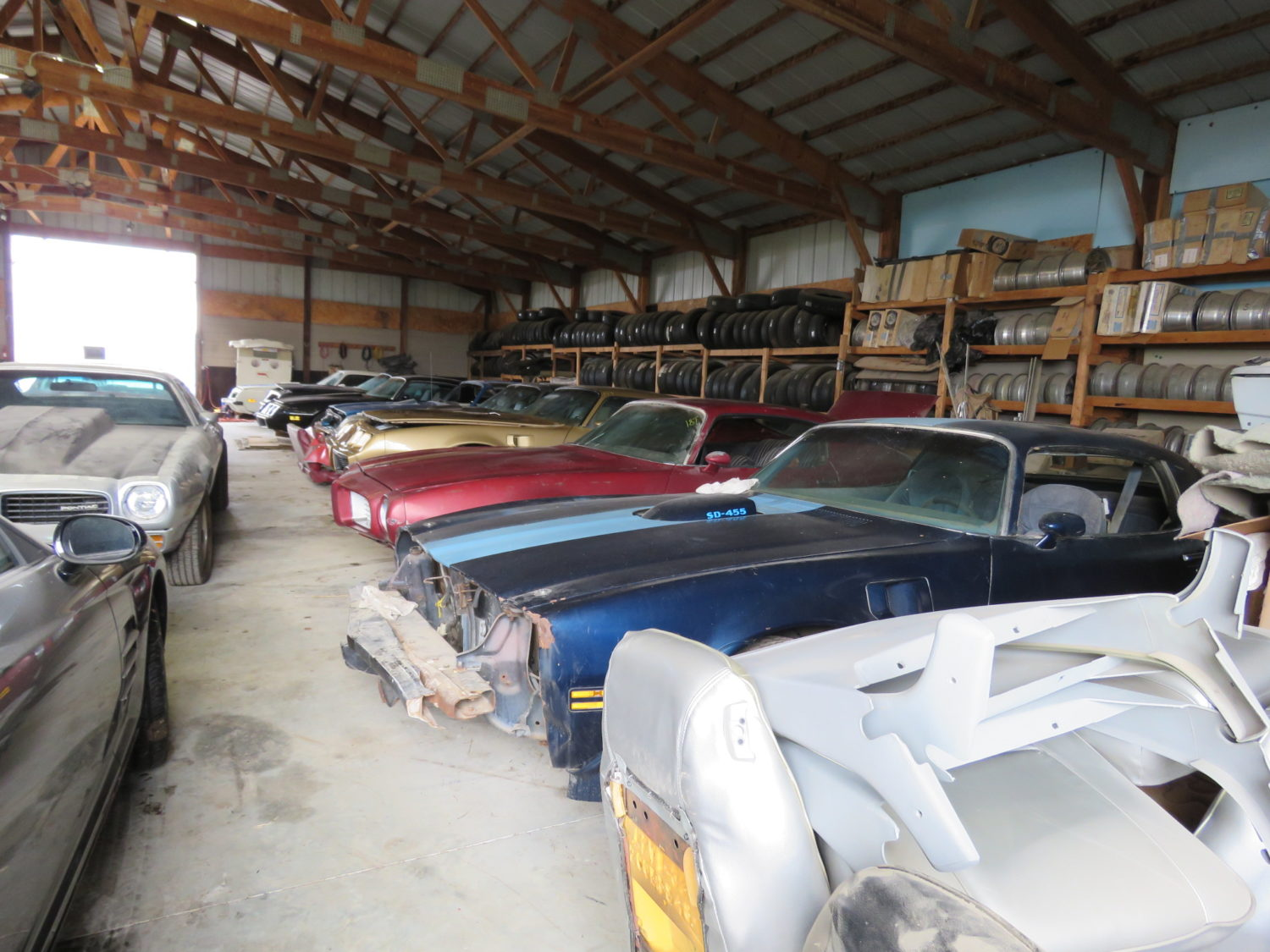Amazing Trans Am & Pontiac Cars and Parts Hoard! The Kansas Collection - image 10