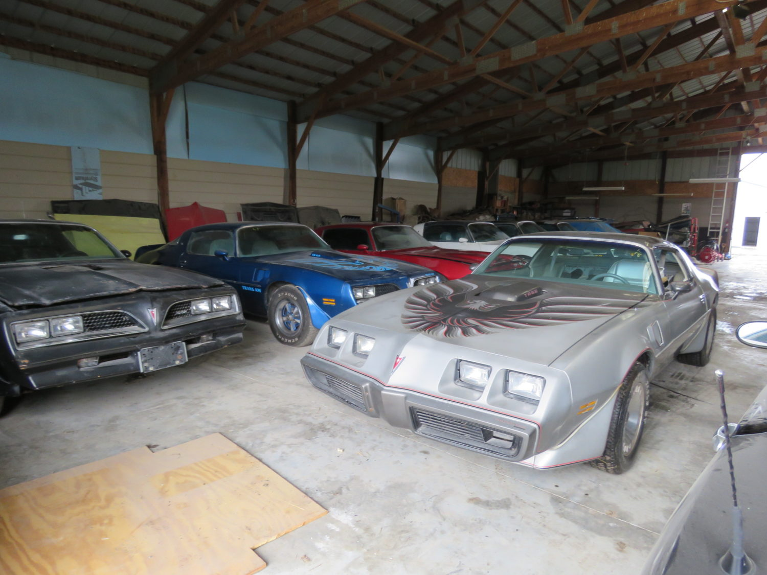 Amazing Trans Am & Pontiac Cars and Parts Hoard! The Kansas Collection - image 1