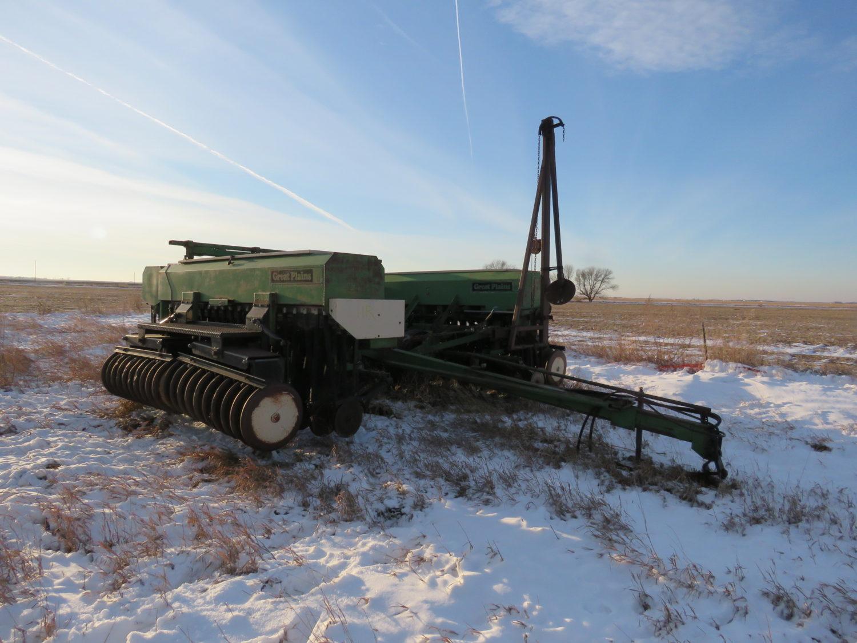 The Alan Rietz Estate Farm Equipment Auction - image 10