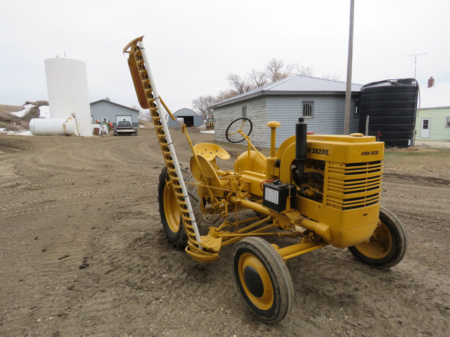 Day 1- Antique Tractors, Farm Equipment, Toys, & More- The James Graham Collection - image 8