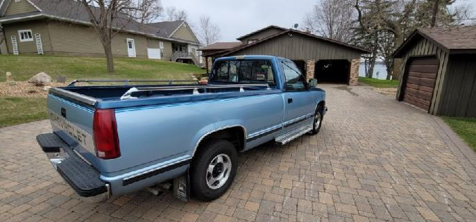 1990 Chevrolet Silverado 1/2 ton Pickup - Image 4
