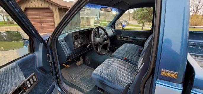 1990 Chevrolet Silverado 1/2 ton Pickup - Image 5
