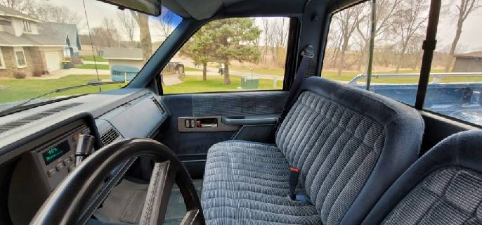 1990 Chevrolet Silverado 1/2 ton Pickup - Image 9