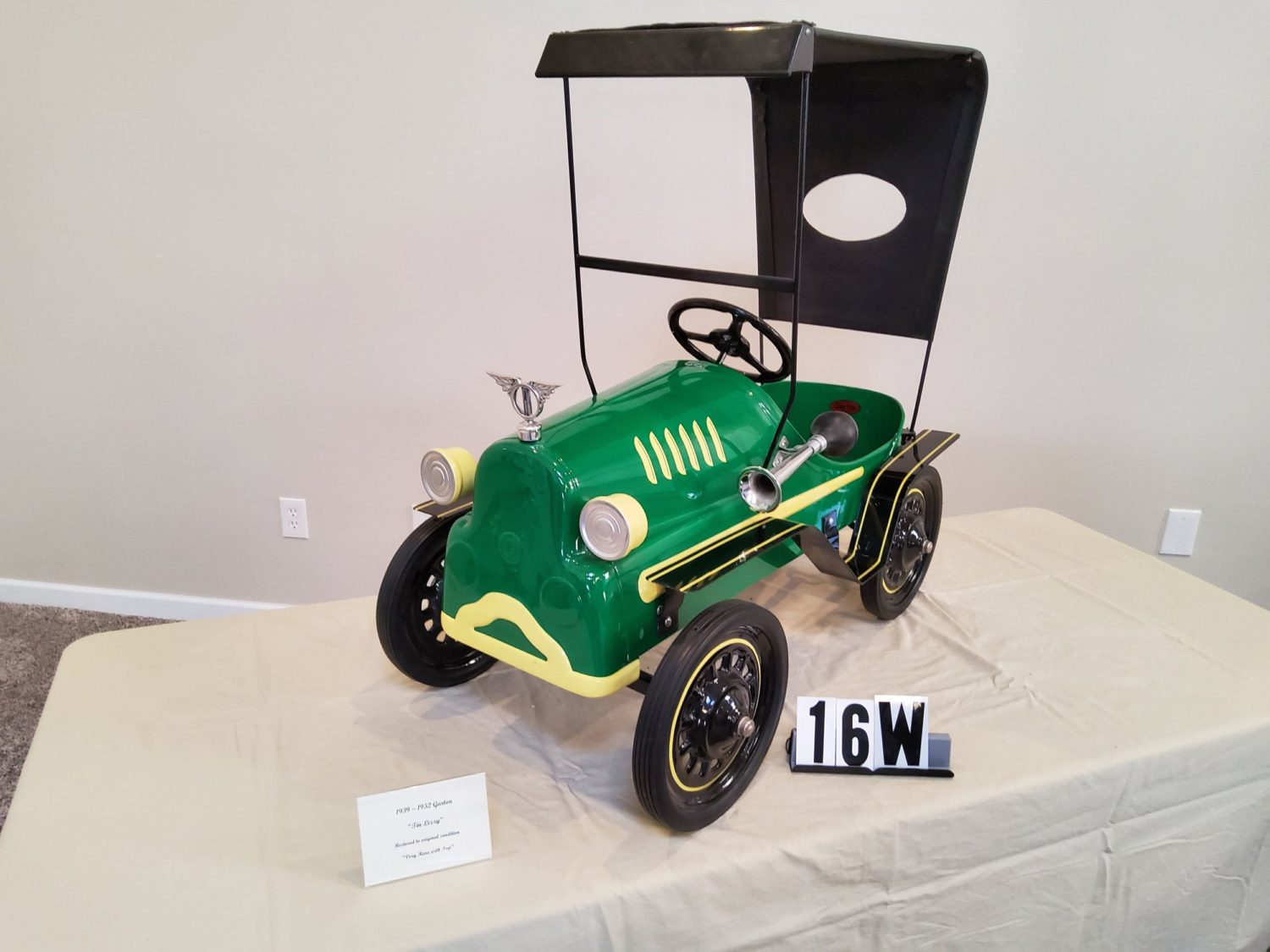 ONLINE ONLY- The Fabulous & Rare Nebraska Pedal Car Collection  - image 4