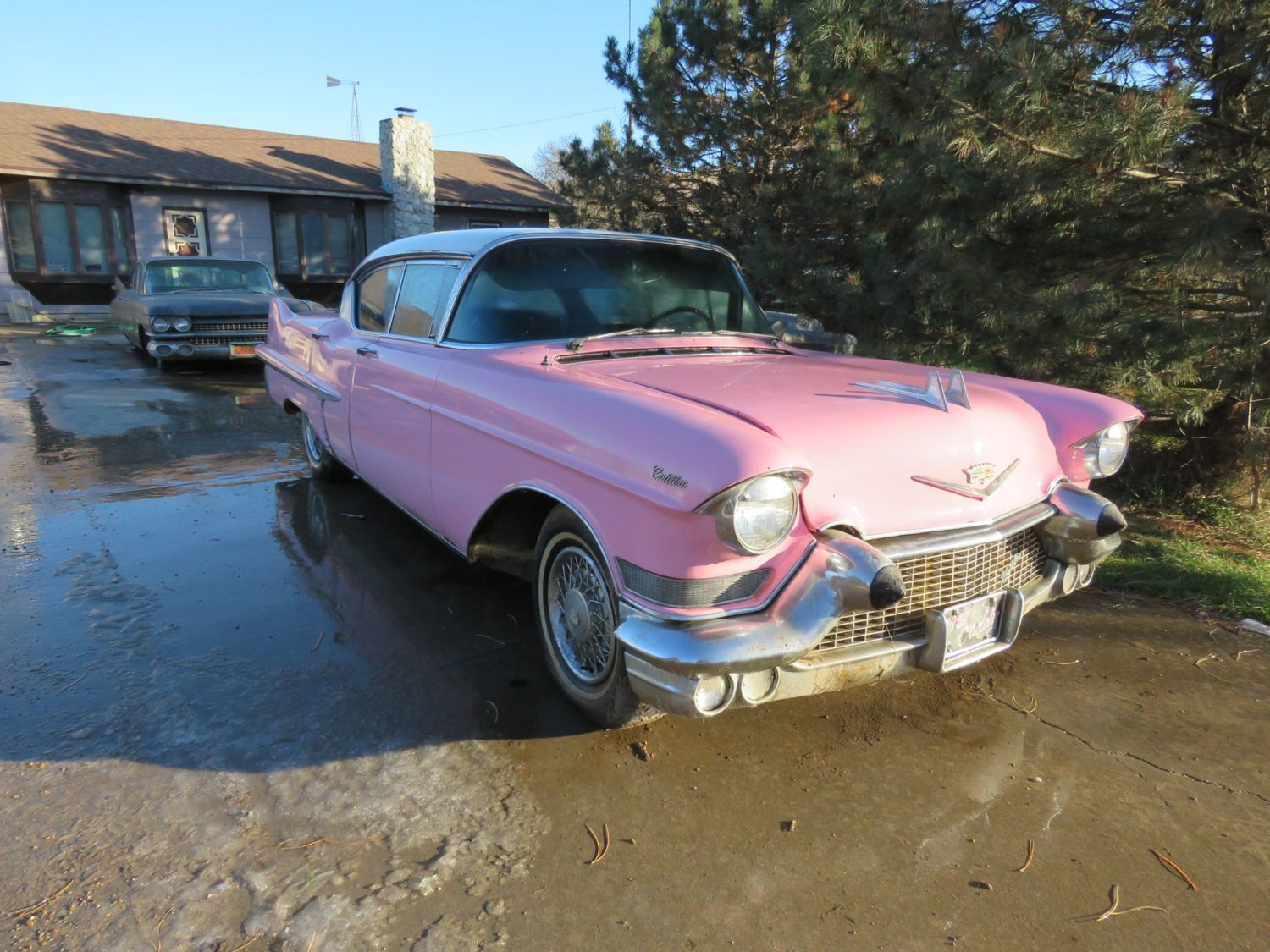 ONLINE ONLY AUCTION!  Cadillacs, Scooters, & More Collector Cars! Bidding Ends 12-2-18!  - image 7