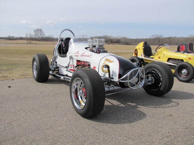 Collector Cars-Trucks, Antique Tractors, Vintage Race Cars, The Twin Oaks #1 Auction - image 2