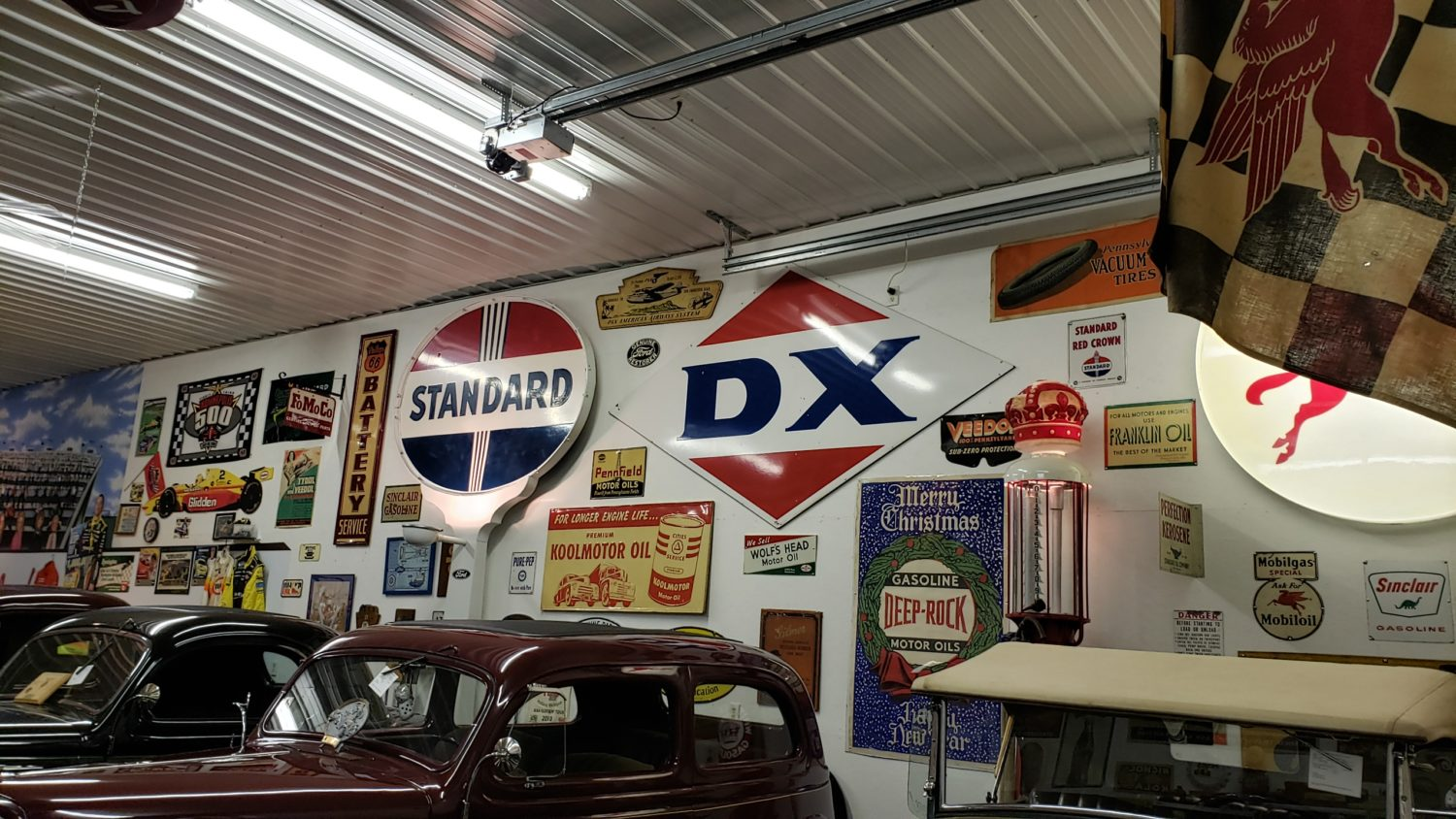 The Larry & Dawn Menard Collection-Fabulous Collector Cars, Memorabilia, & More..  - image 6