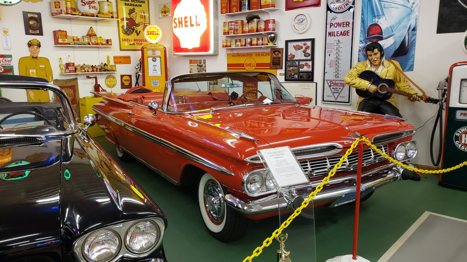 The Larry & Dawn Menard Collection-Fabulous Collector Cars, Memorabilia, & More..  - image 4