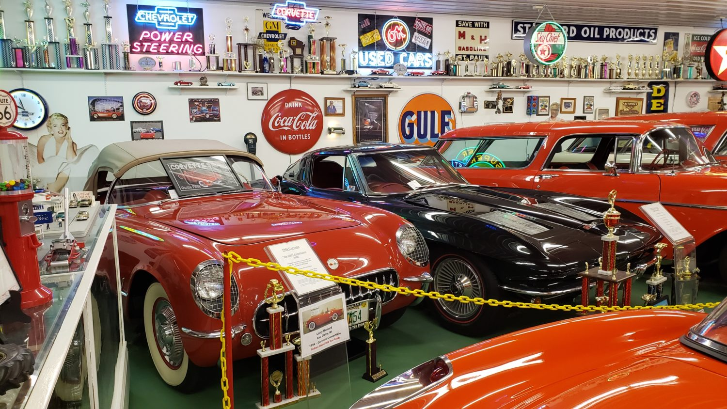 The Larry & Dawn Menard Collection-Fabulous Collector Cars, Memorabilia, & More..  - image 2