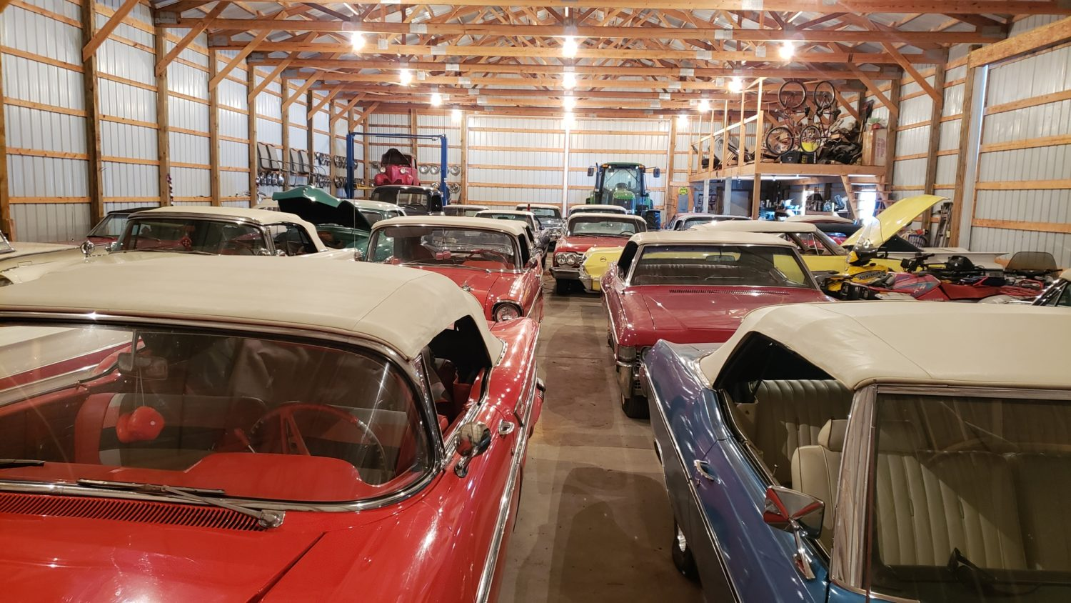 Fabulous Convertibles-Muscle- Antique Tractors & More! The Windels Collection LIVE ONSITE & Online BIdding - image 3