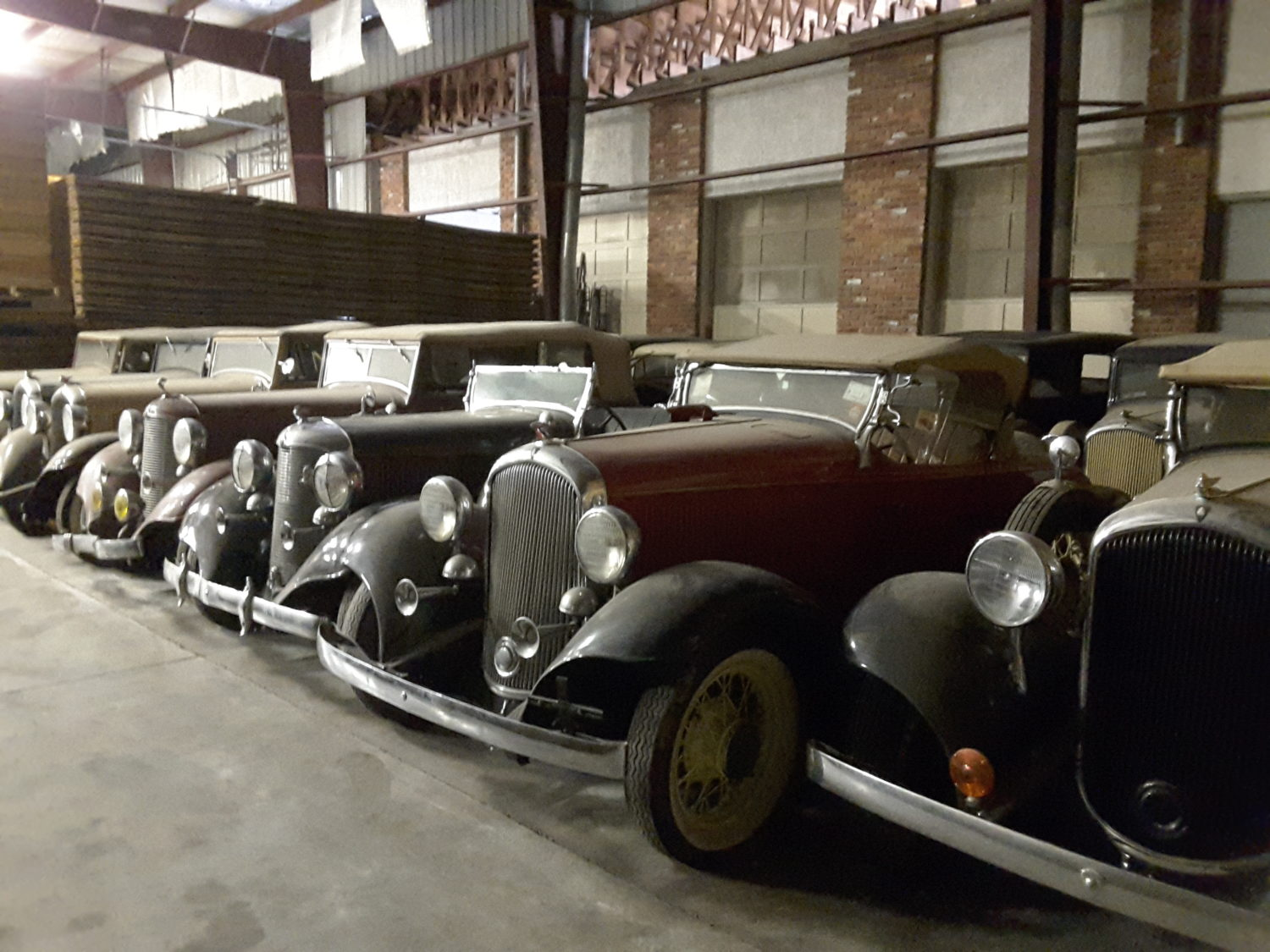 Amazing 1932 MOPAR Collection & More.. The Adair Collection Auction - image 2