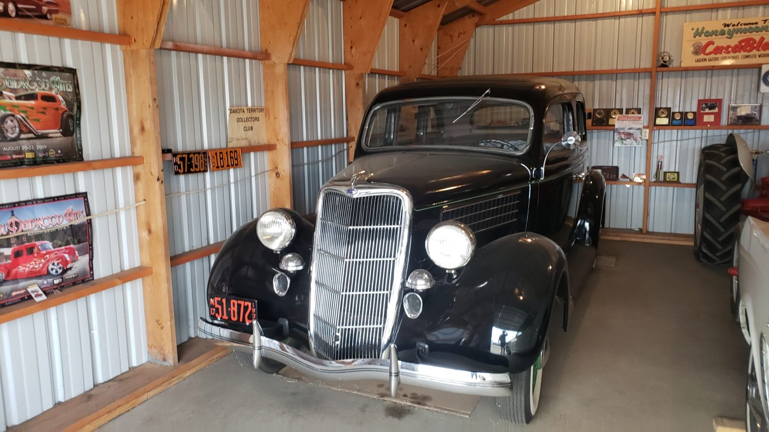 Fabulous Collector Cars, Antique Tractors, Memorabilia & More! The Krinke Collection - image 1