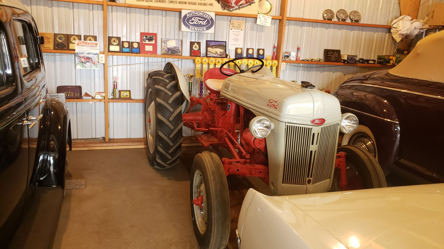 Fabulous Collector Cars, Antique Tractors, Memorabilia & More! The Krinke Collection - image 3