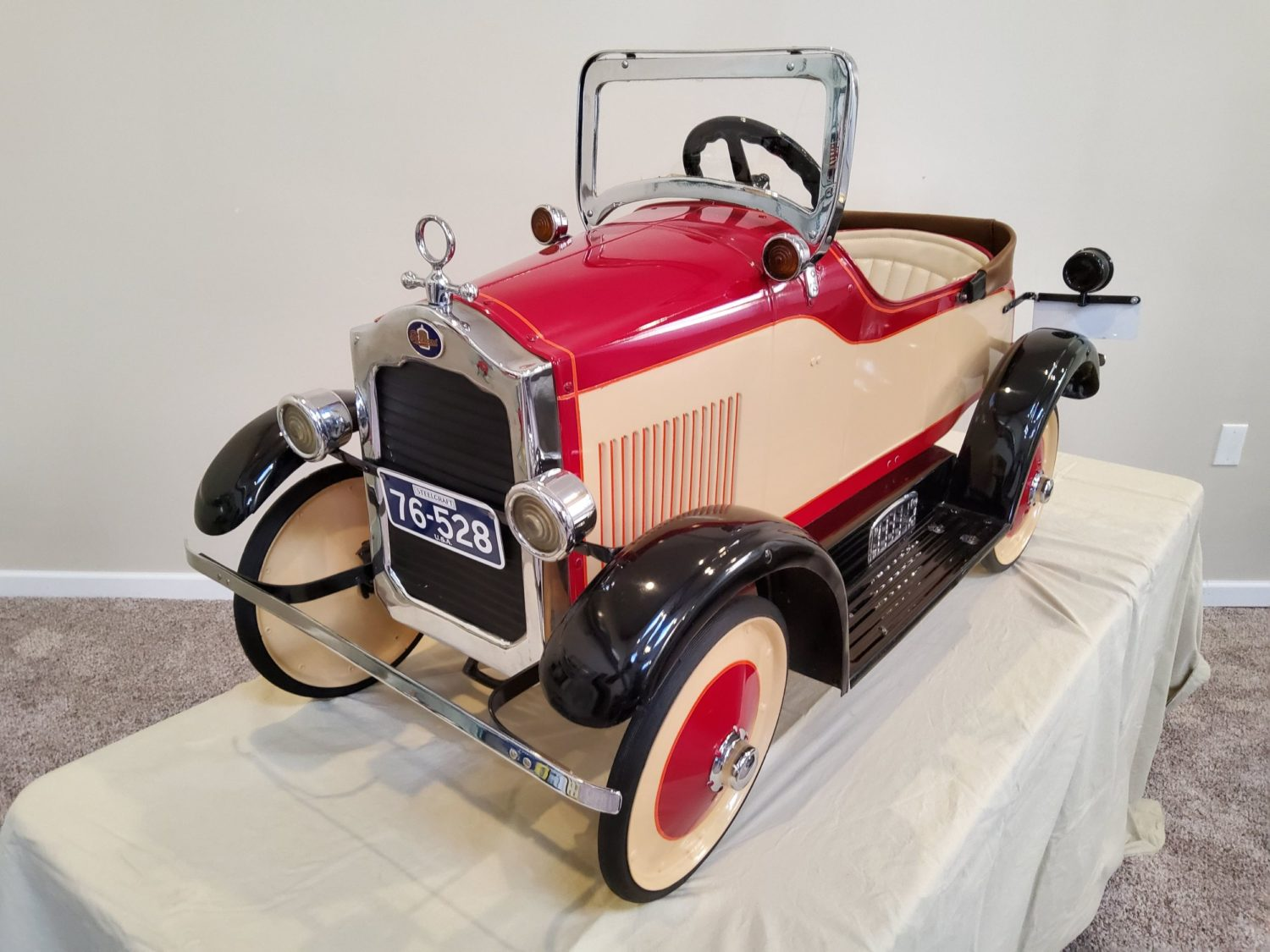 ONLINE ONLY- The Fabulous & Rare Nebraska Pedal Car Collection  - image 8