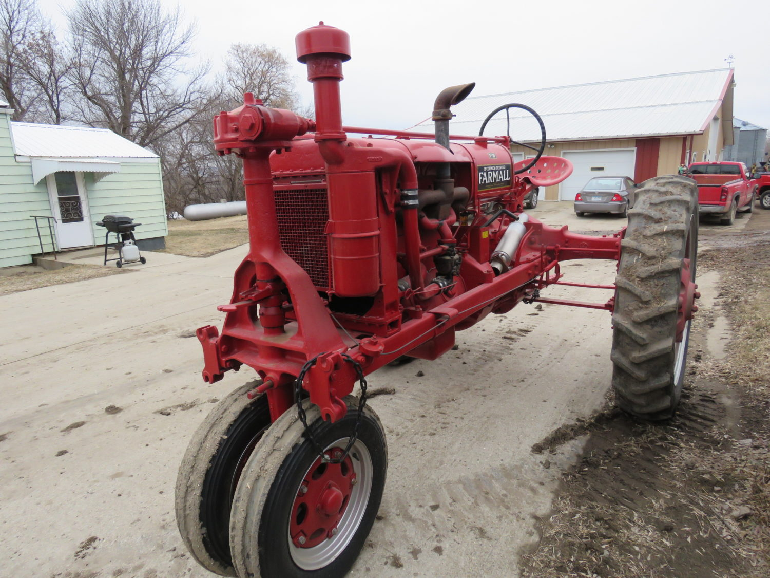 Day 1- Antique Tractors, Farm Equipment, Toys, & More- The James Graham Collection - image 11