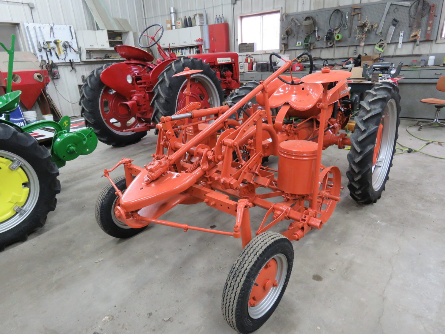 Day 1- Antique Tractors, Farm Equipment, Toys, & More- The James Graham Collection - image 13