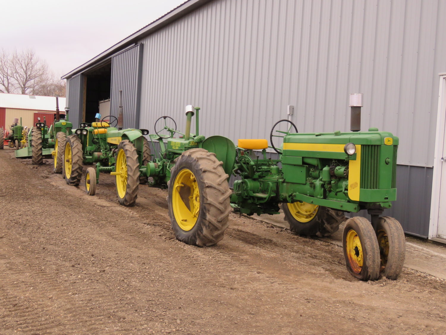 Day 1- Antique Tractors, Farm Equipment, Toys, & More- The James Graham Collection - image 6