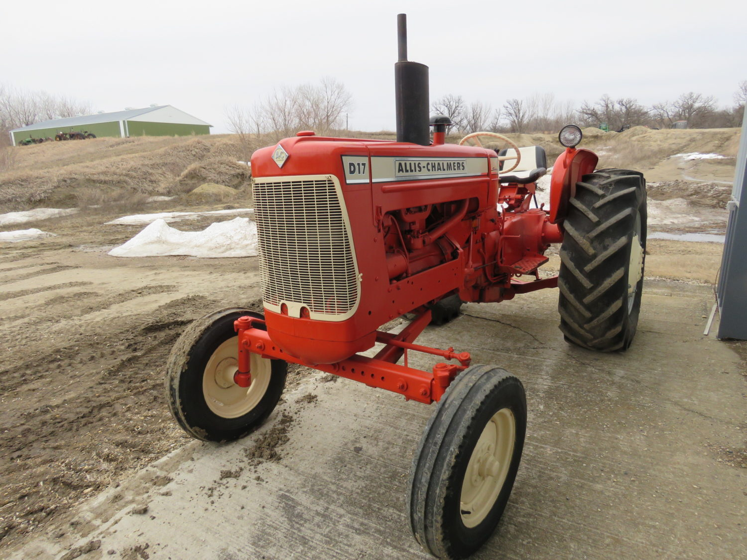 Day 1- Antique Tractors, Farm Equipment, Toys, & More- The James Graham Collection - image 14