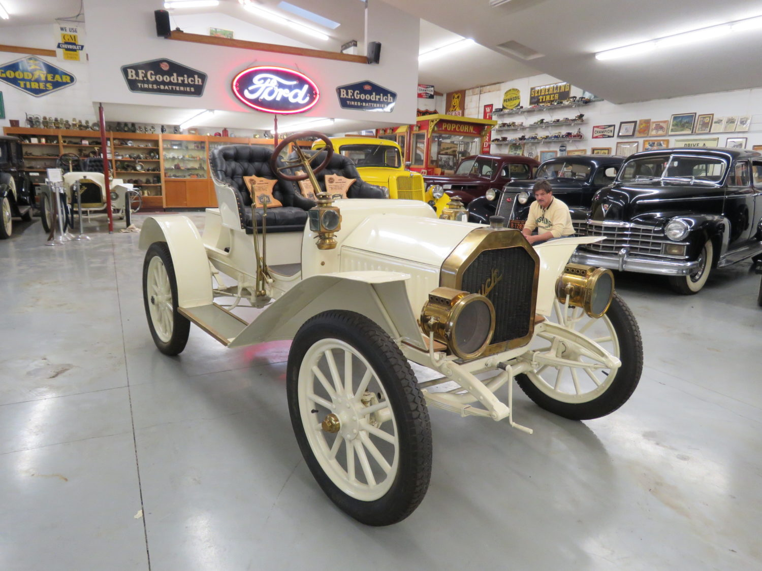 Fabulous Collector Cars, Parts, Memorabilia & More.. The Pellow Collection - image 5