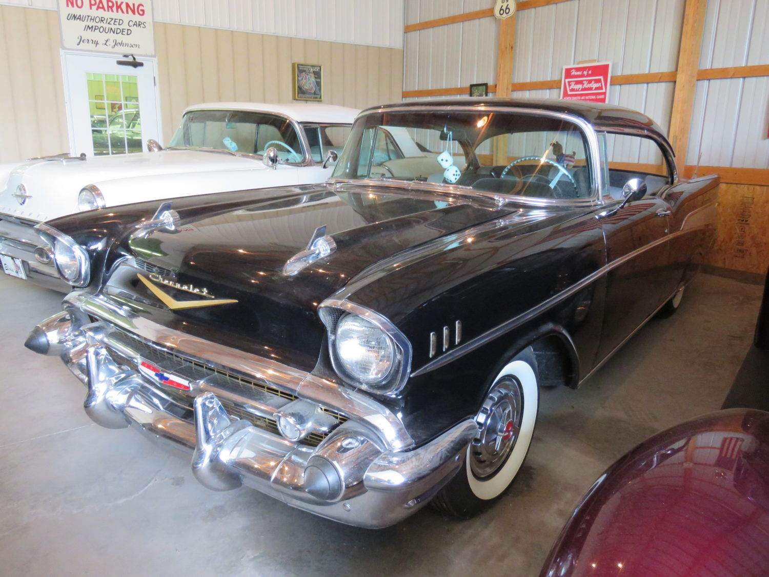 FABULOUS COLLECTOR CARS, MEMORABILIA, & MORE AT AUCTION-JERRY JOHNSON ESTATE! - image 8
