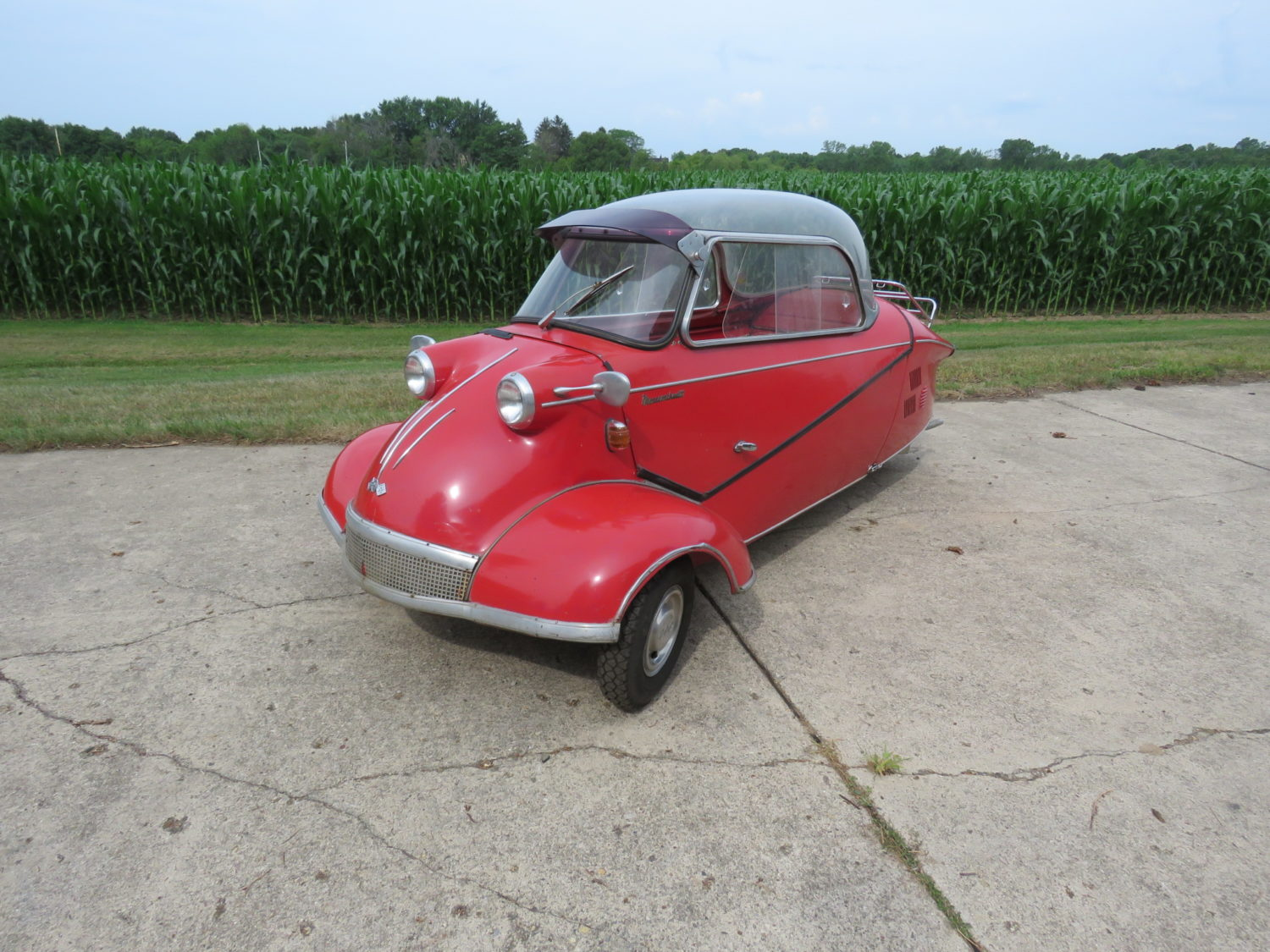 Collector Cars, Antique Tractors, Parts, Memorabilia & More.. The Del Beyer Estate Auction - image 4