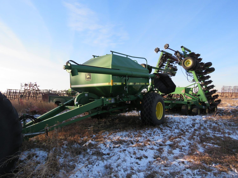 The Alan Rietz Estate Farm Equipment Auction - image 7