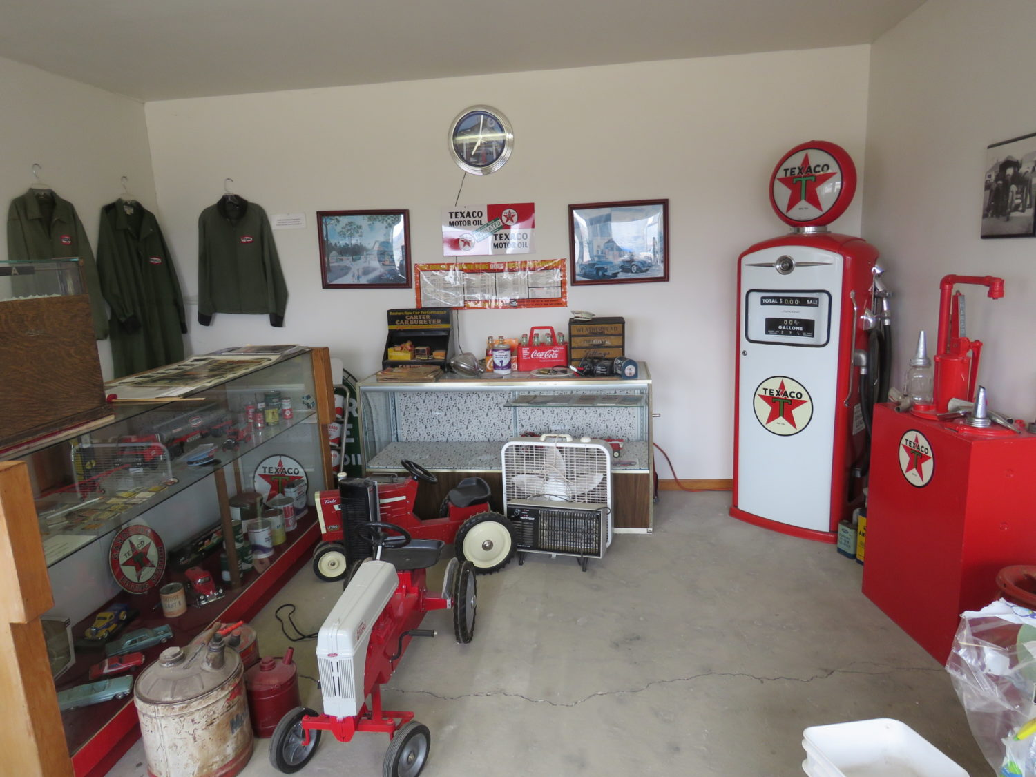 The Rush Collection - Ford Collector Vehicles & Memorabilia - image 12