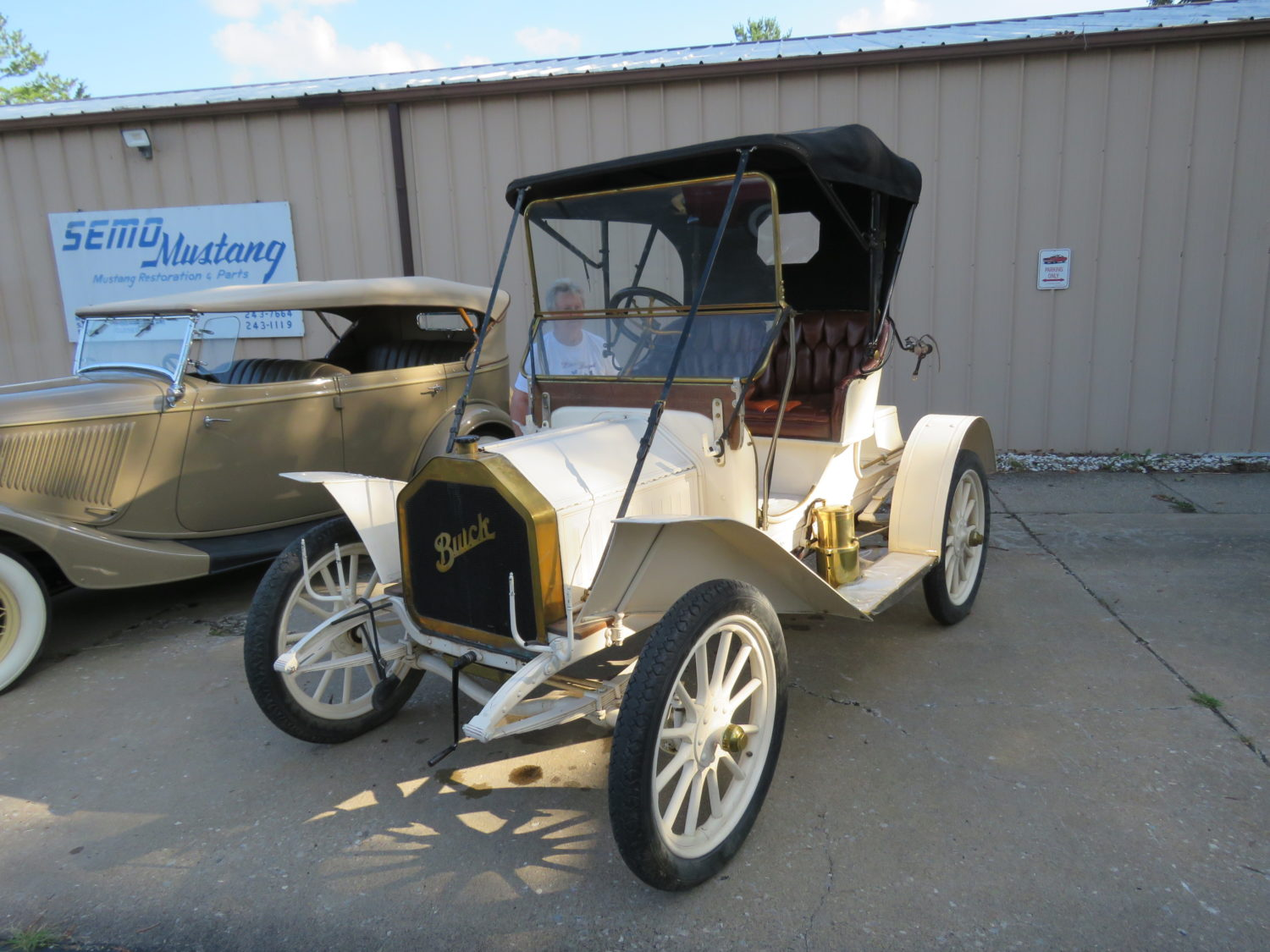 Collector Cars, Stationary Engines,Gas & Oil, Memorabilia & More – The McPherson Collection Auction - image 12