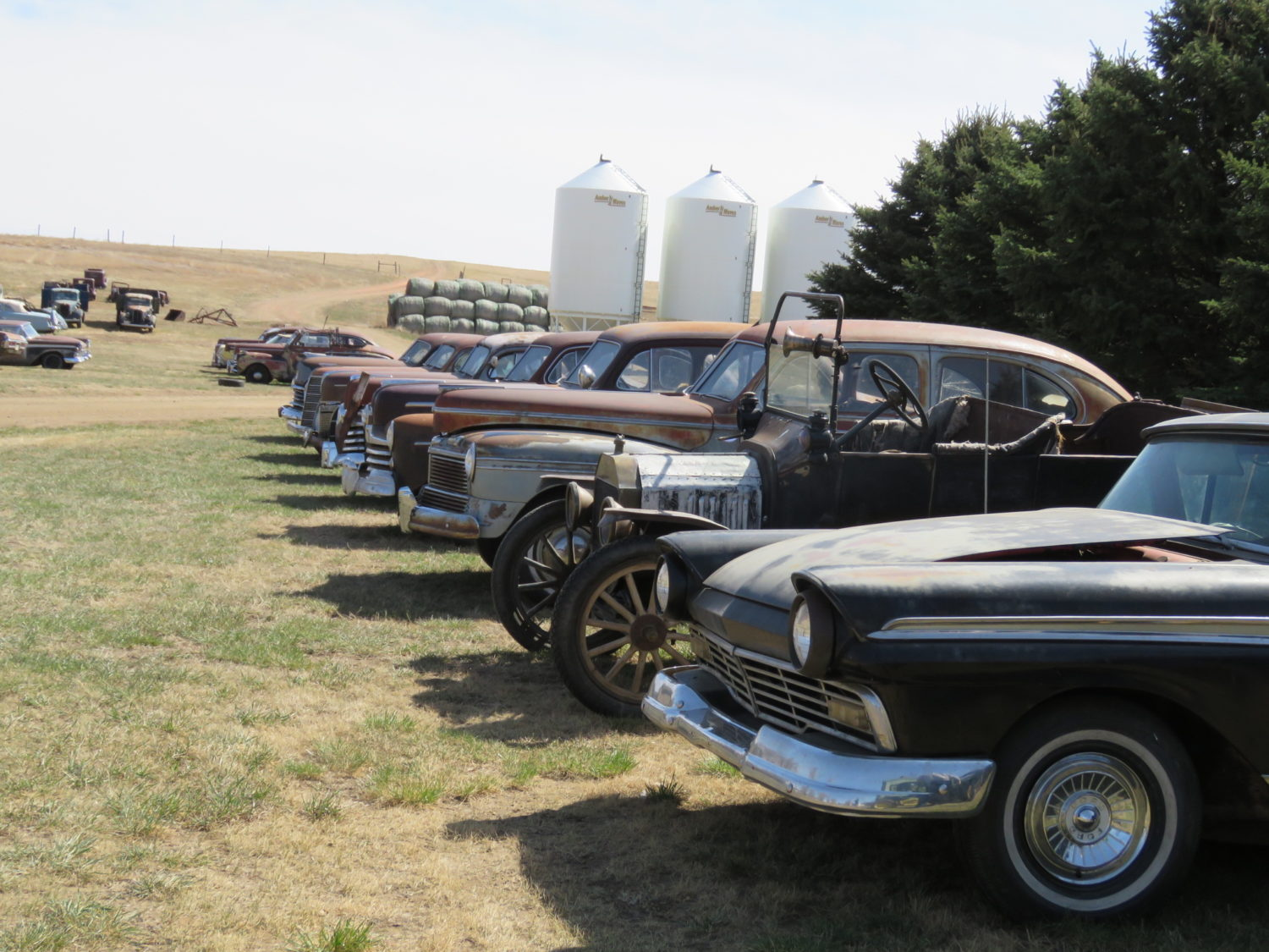Fabulous Collector Cars, Antique Tractors, Memorabilia & More! The Krinke Collection - image 6