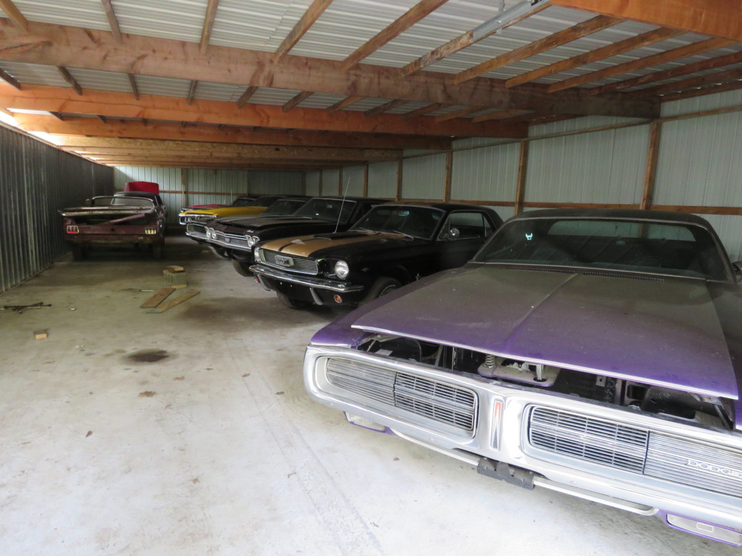 Muscle Car Heaven! The Coyote Johnson Collection Auction - image 17