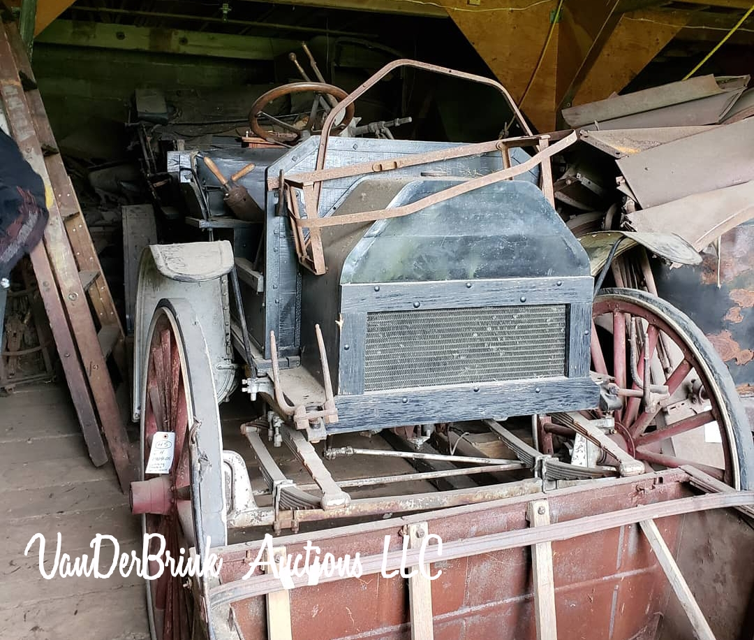 Day 1- The Roger ( Bill)  Dickenson Estate-Collector Cars, Parts, and More!  - image 3